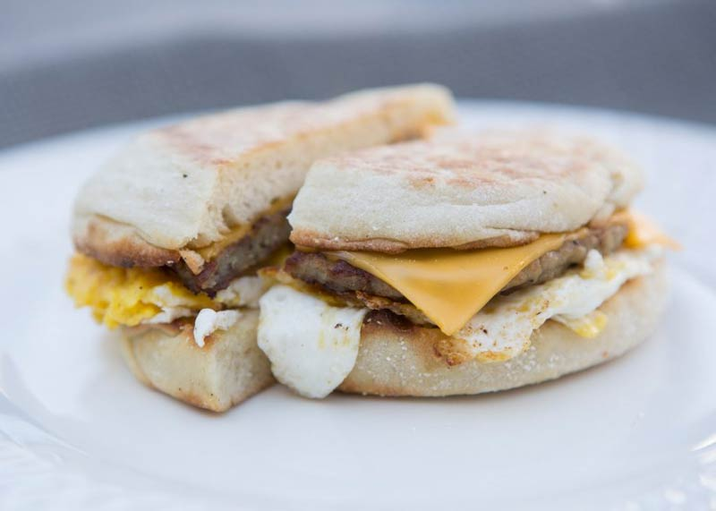 img-tom-and-steviews-bistro-breakfast