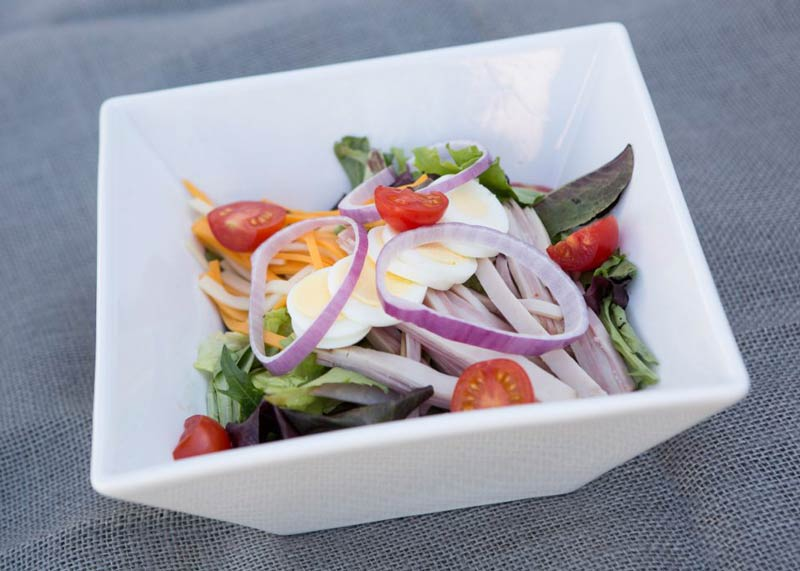 img-tom-and-steviews-bistro-salad
