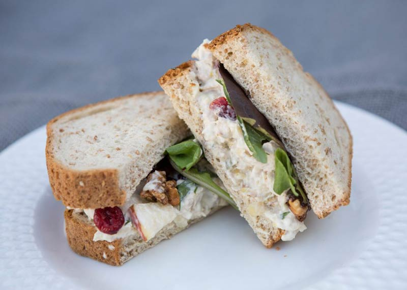 img-tom-and-steviews-bistro-sandwich-3